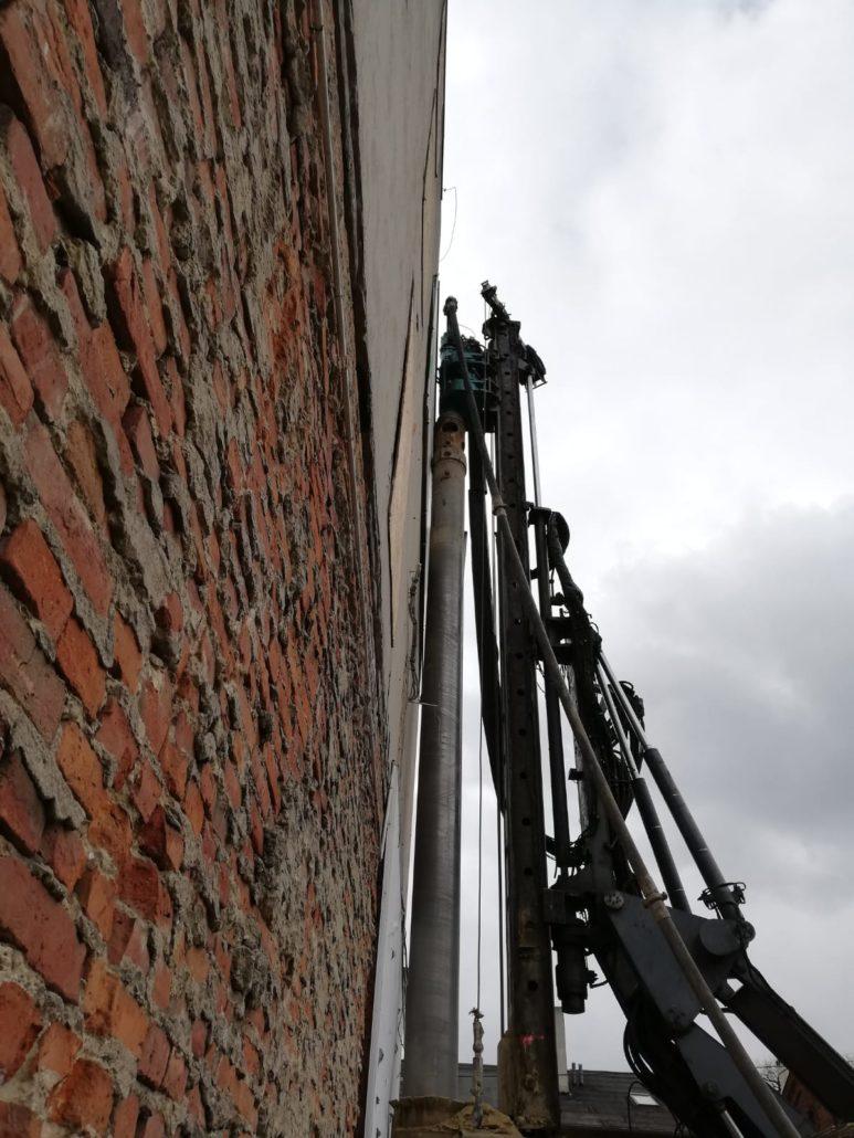 Ścianka berlińska palisada żelbetowa ul. Przędzalniana w Łodzi