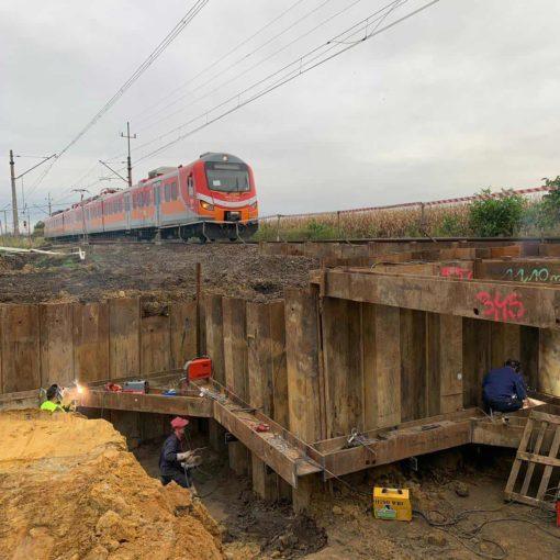 Linia kolejowa 276, przejście pod torami w km 6+273, Wrocław Iwiny - Ścianki szczelne oraz rozparcia stalowe