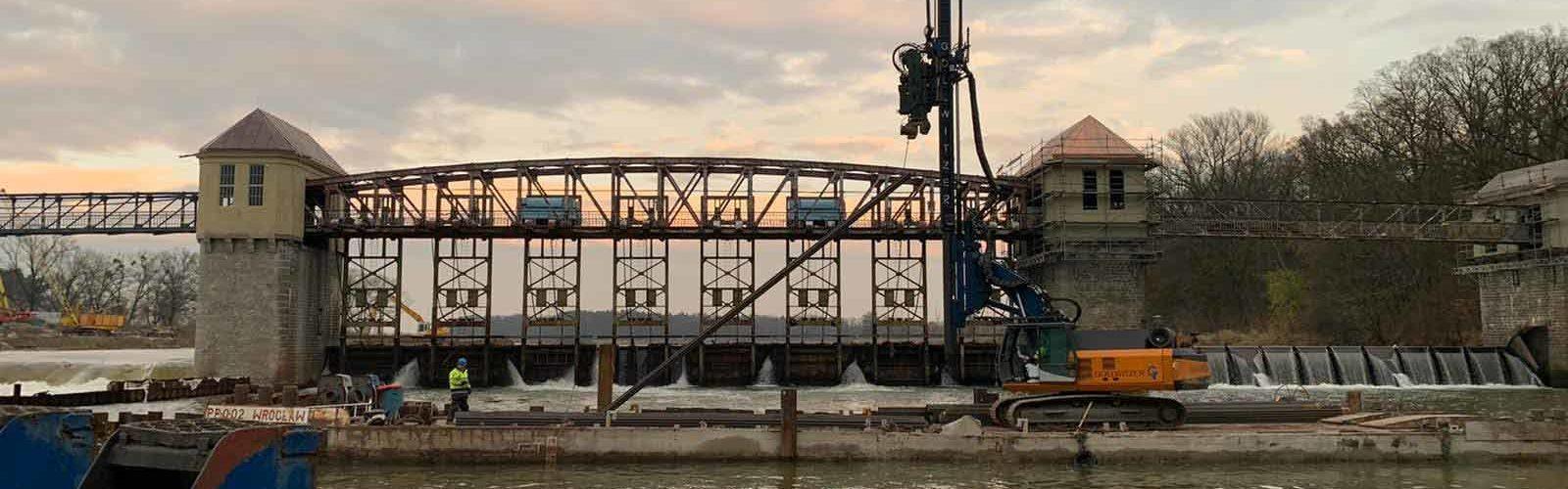 Modernizacja stopnia wodnego Rędzin na Odrze - Ścianki szczelne.
