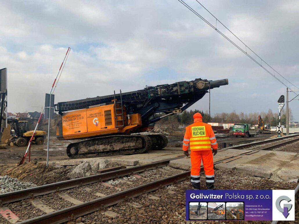 Zabezpieczeniu wykopu przy czynnej linii kolejowej
